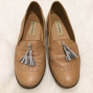 Steve Madden Tan Leather loafers